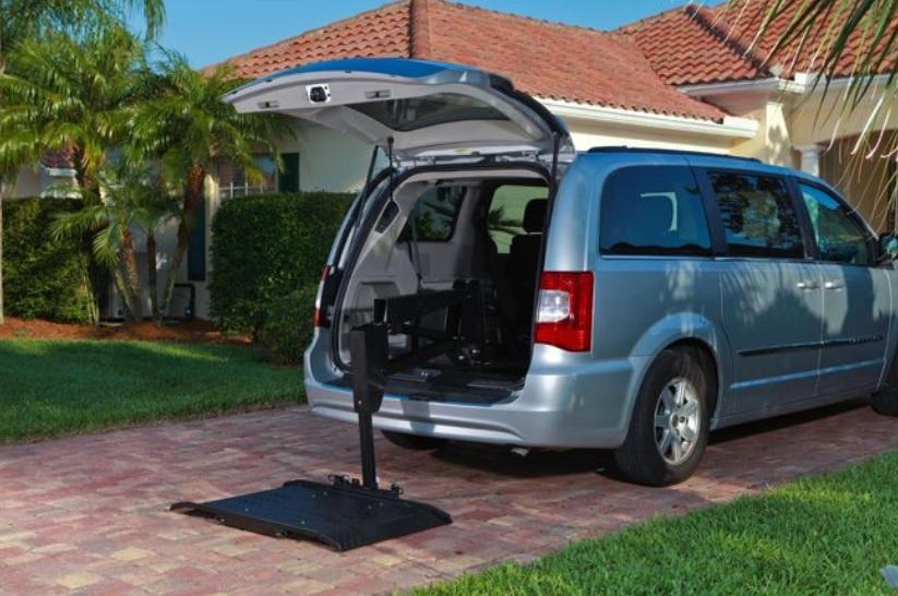 AL625 Hybrid Van Vehicle Lift. Photo via Harmar.