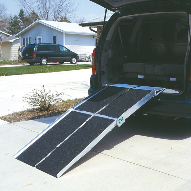 Multifold Reach Ramp on SUV